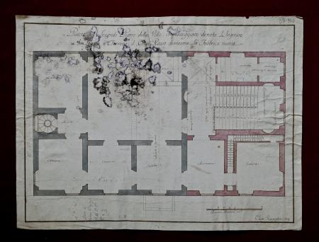 Pianta del secondo piano della Villa. Il punteggiato denota l'ingresso e la loggia à terreno. Il color rosso dimostra la fabbrica nuova
